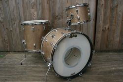Ludwig 'Dec28,1965' Super Classic Outfit in Champagne Sparkle