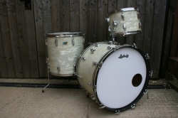 Ludwig 1970 Super Classic in White Marine Pearl