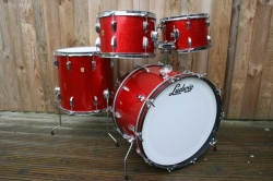 Ludwig 1966 Hollywood Outfit in Red Sparkle
