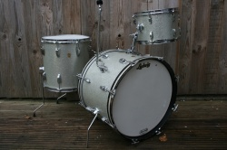 Ludwig 1966 DownBeat Outfit in Silver Sparkle