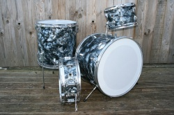 Kent Drums 'March 1967' Outfit in Black Diamond Pearl