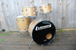 Ludwig 1970 Big Beat Outfit in Champagne Sparkle